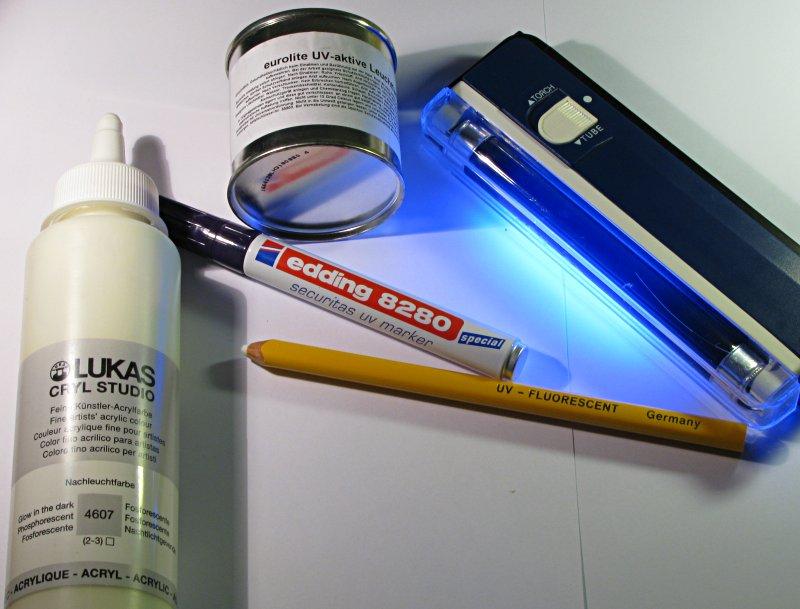 Erste Tests mit UV-Farbe