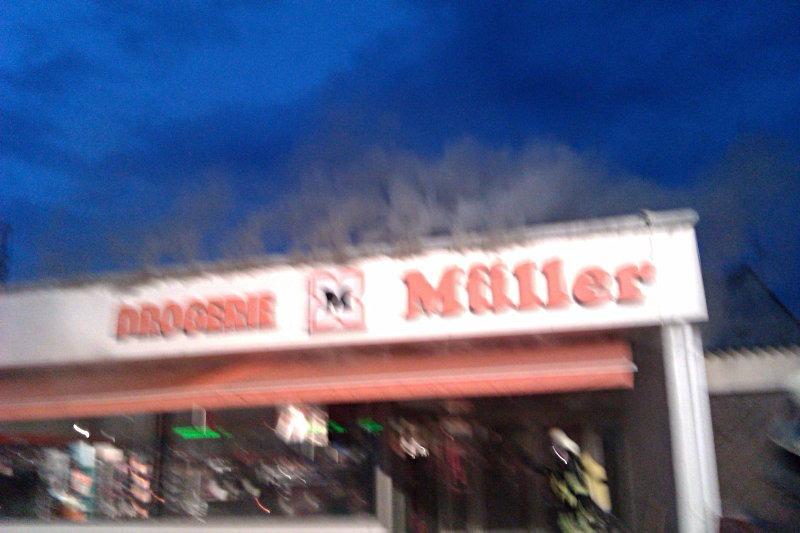 Drogeriefiliale Müller in Offenhausen abgebrannt