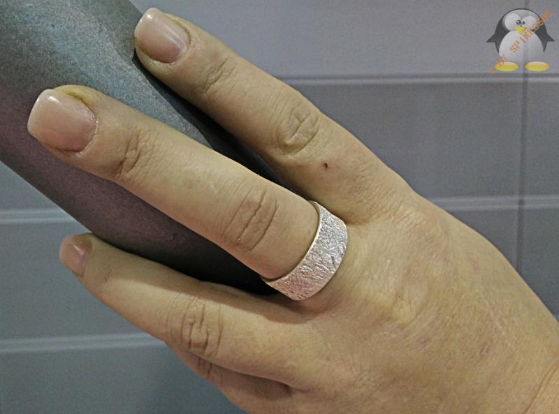 Selbst geschmiedeter Silberring
