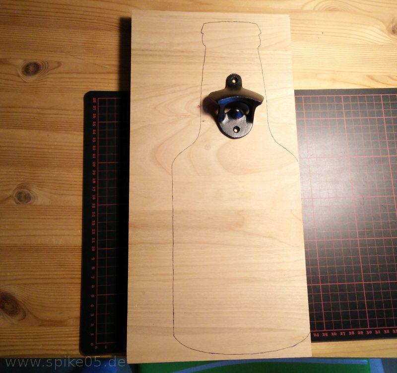 Vorlage Wandflaschenöffner Blaupapier Holz