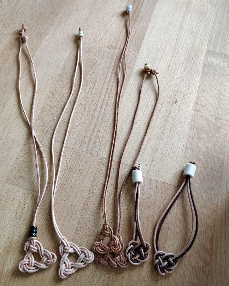 Lederanhänger und Ketten Keltischer Knoten