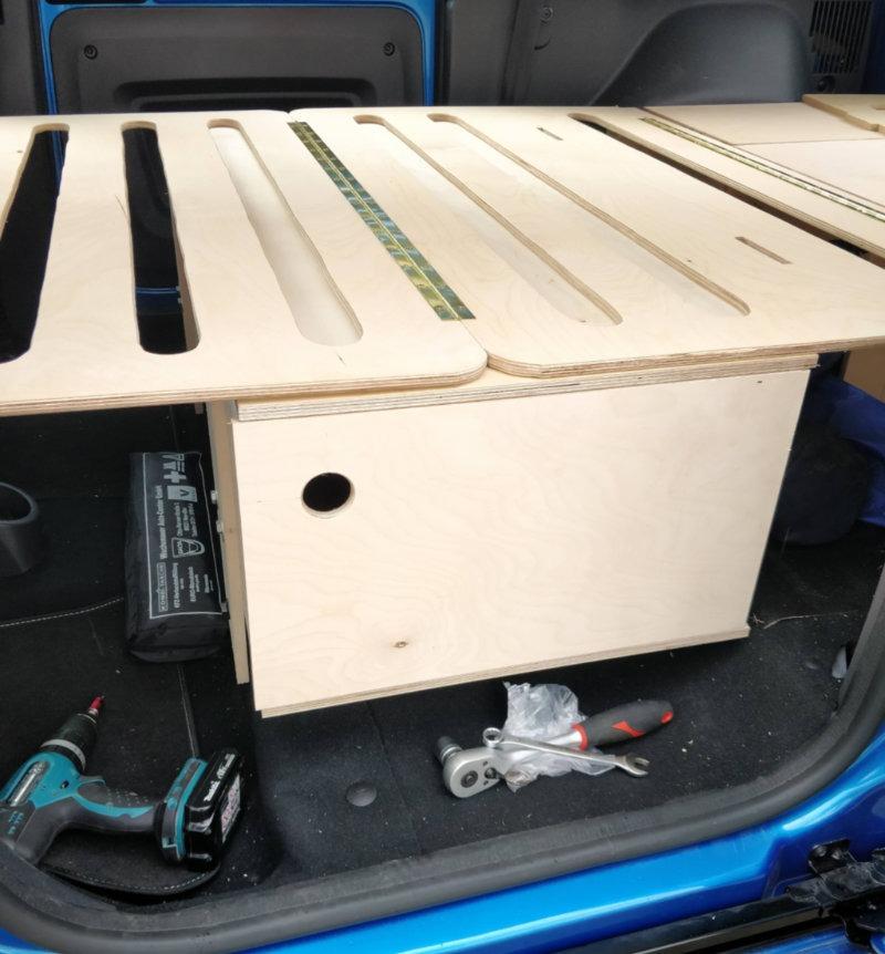 Dacia Dokker Zusatbox mit Tür