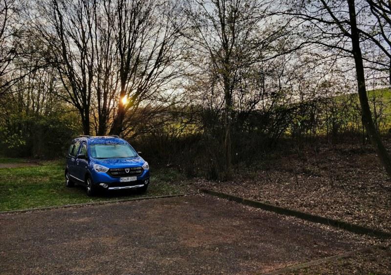 Wohnmobilstellplatz in Aalen, Dacia Dokker Micro Camper, Sonnenaufgang