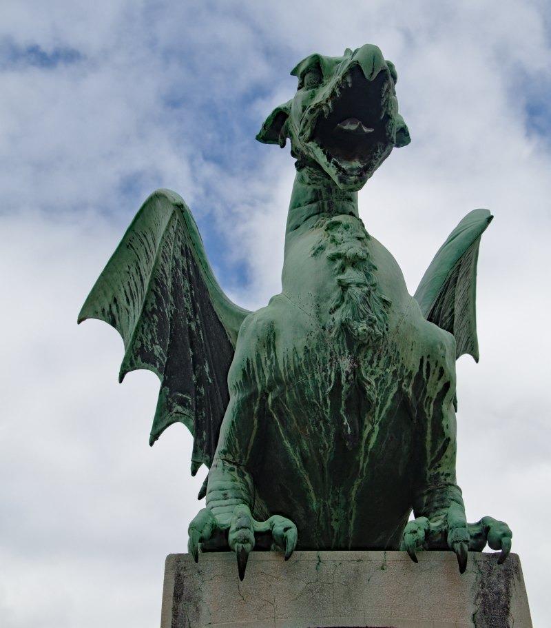 Ein Drache an der Drachenbrücke in Ljubljana