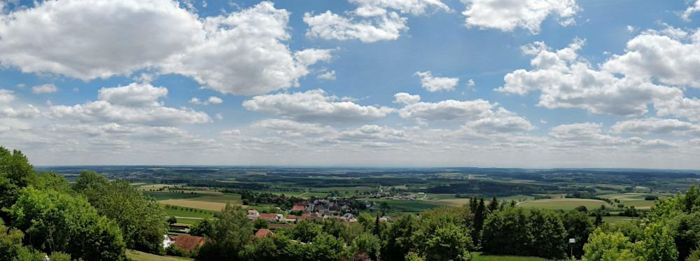 Ausblick von der Bussenkirche Richtung Allgäu